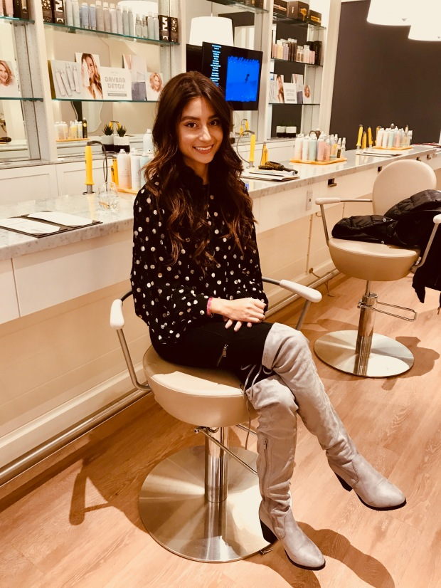 Dry Bar Blowout Style